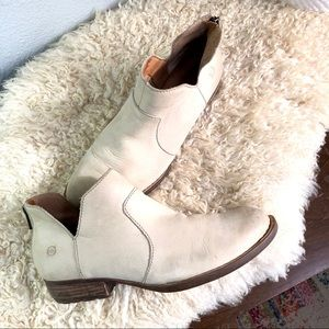 Born Kerri ankle boot booties beige cream leather